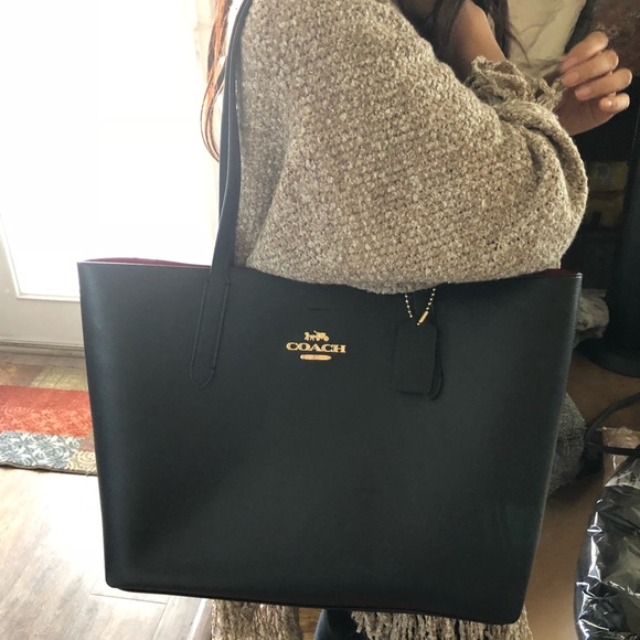 74b2c999b449 Gorgeous authentic Coach Black Leather Ave Tote